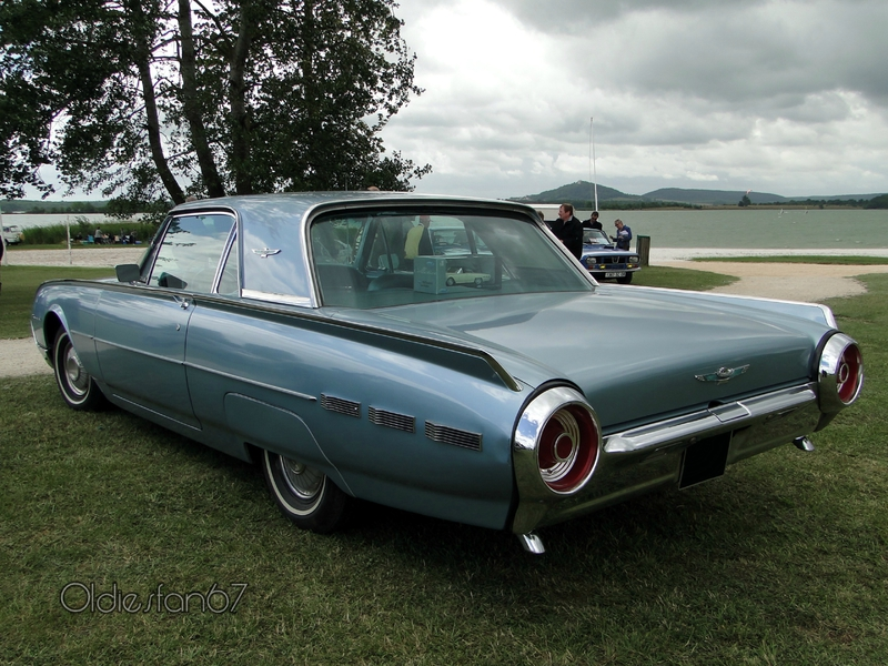 ford-thunderbird-coupe-1962-b