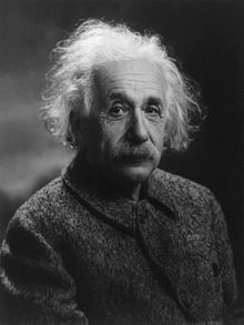 220px_Albert_Einstein_1947