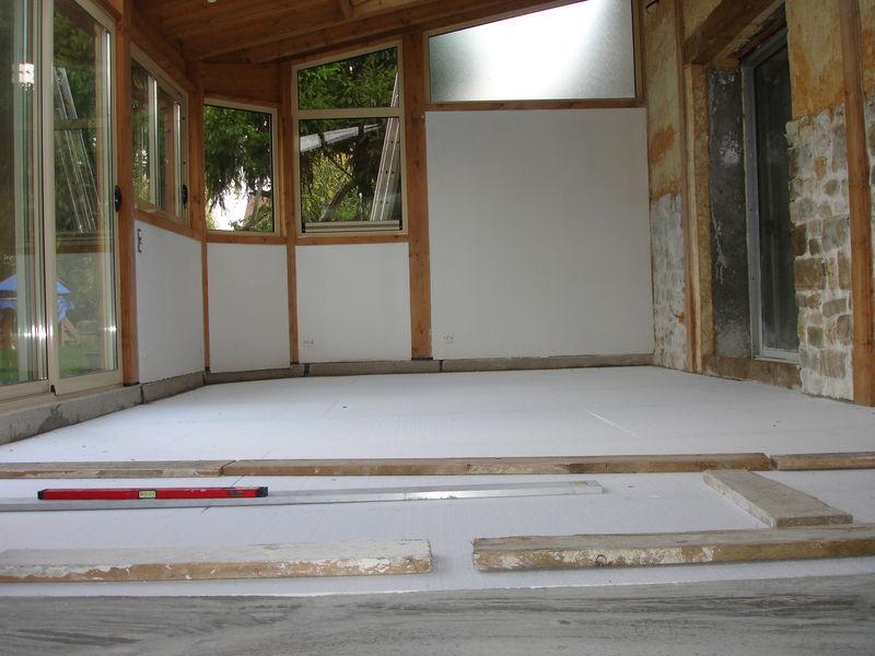 Pose du plancher chauffant nos travaux for Mise en chauffe plancher chauffant avant carrelage