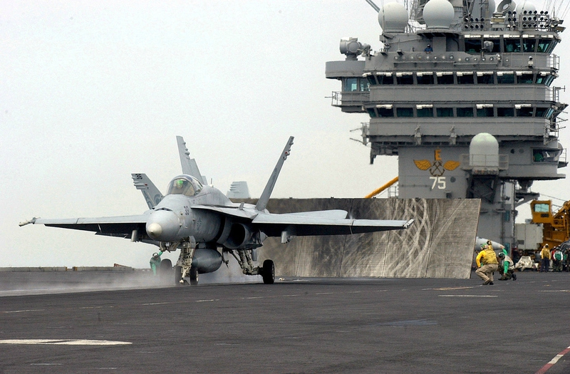 Hornet_launches_from_USS_Harry_S_Truman
