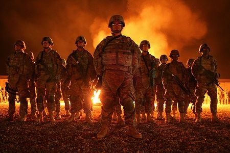 soldiers_at_bonfire_01