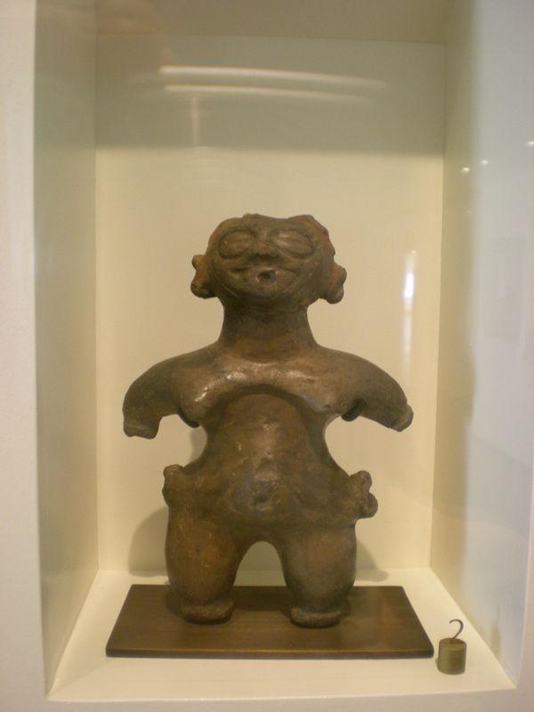 10-Figurine dôgu, site de Tokoshinai, département d'Aomori, Jômon postérieur