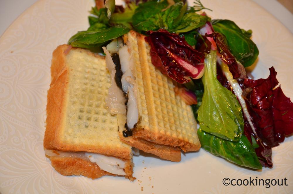 Croque monsieur de fête : caviar pressé (papierusse), coquilles St Jaques et lard d'Arnad