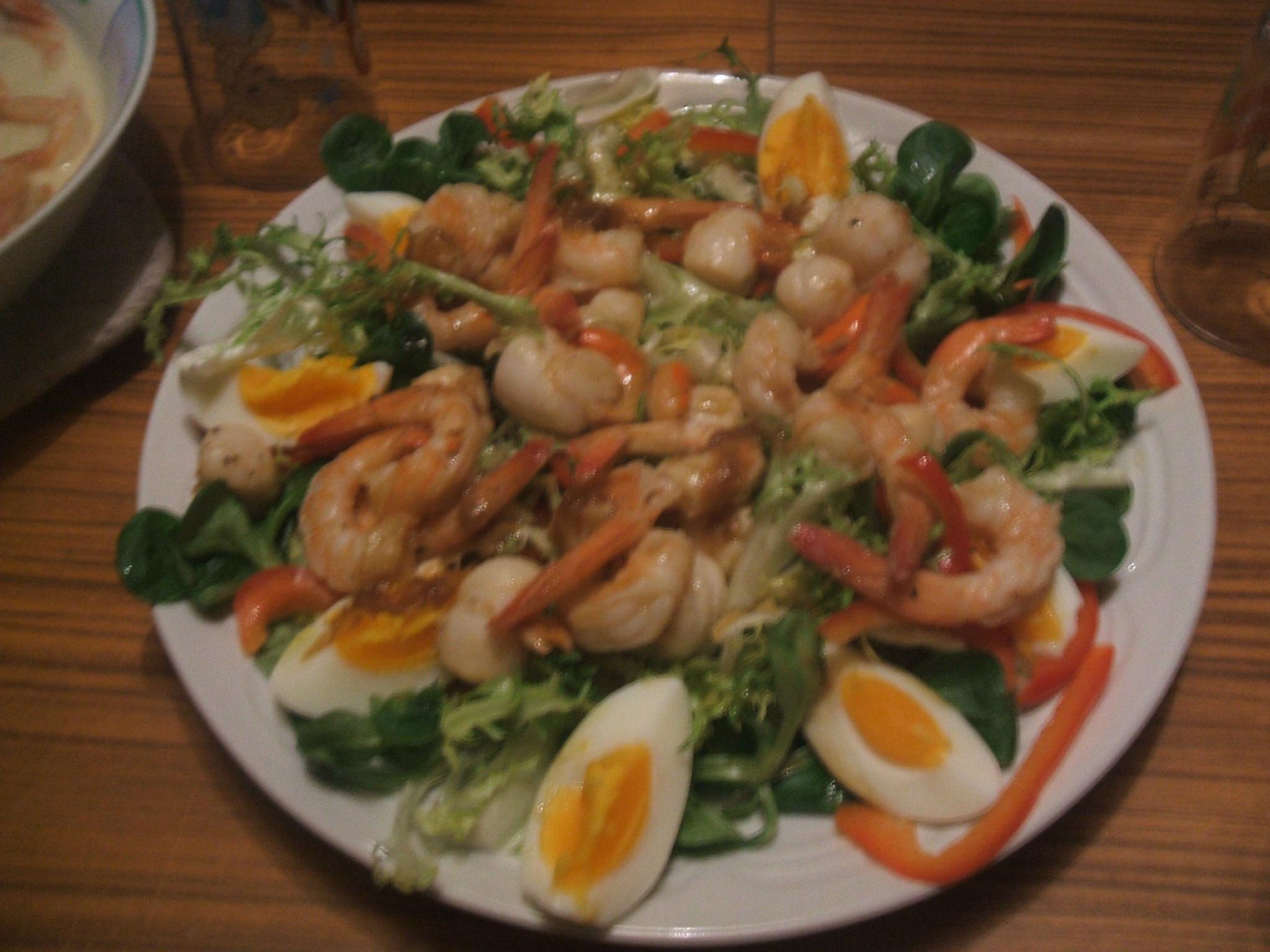 Salade composee aux crevettes et noix de st jacques peneloppe ou les al as du quotidien - Comment presenter des crevettes en entree ...