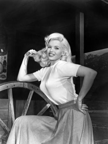 jayne-1957-film-the_wayward_bus-on_set-4-1