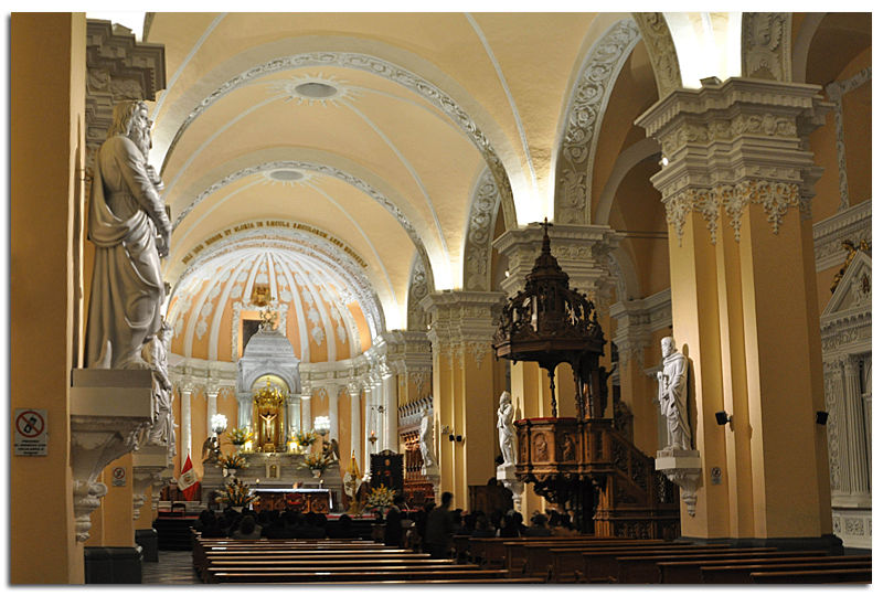 Perou_Arequipa_cathedrale_55_