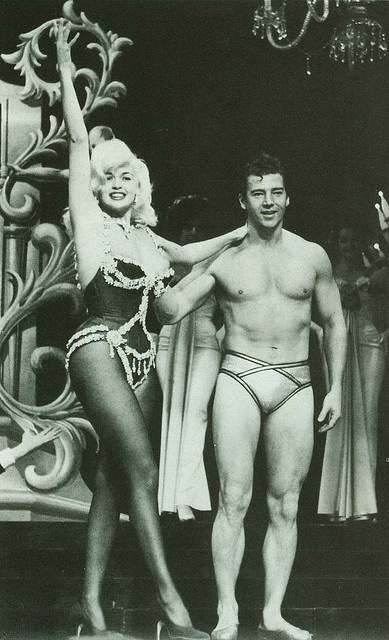 jayne-1961-las_vegas-dunes-house_of_love_show-1