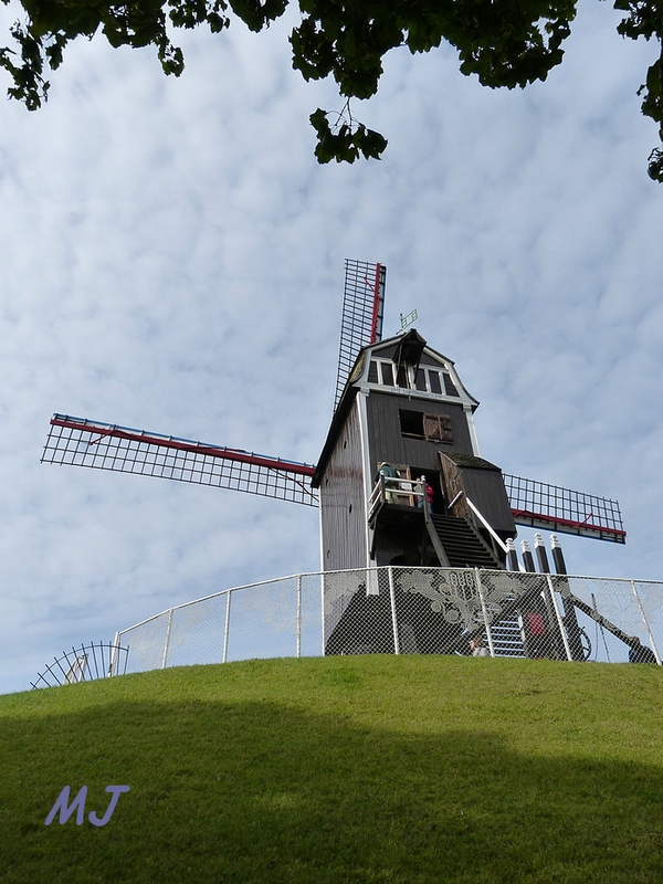 MOULIN STE ANNE2