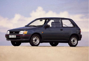 01497010_photo_toyota_starlet_starlet_1_3