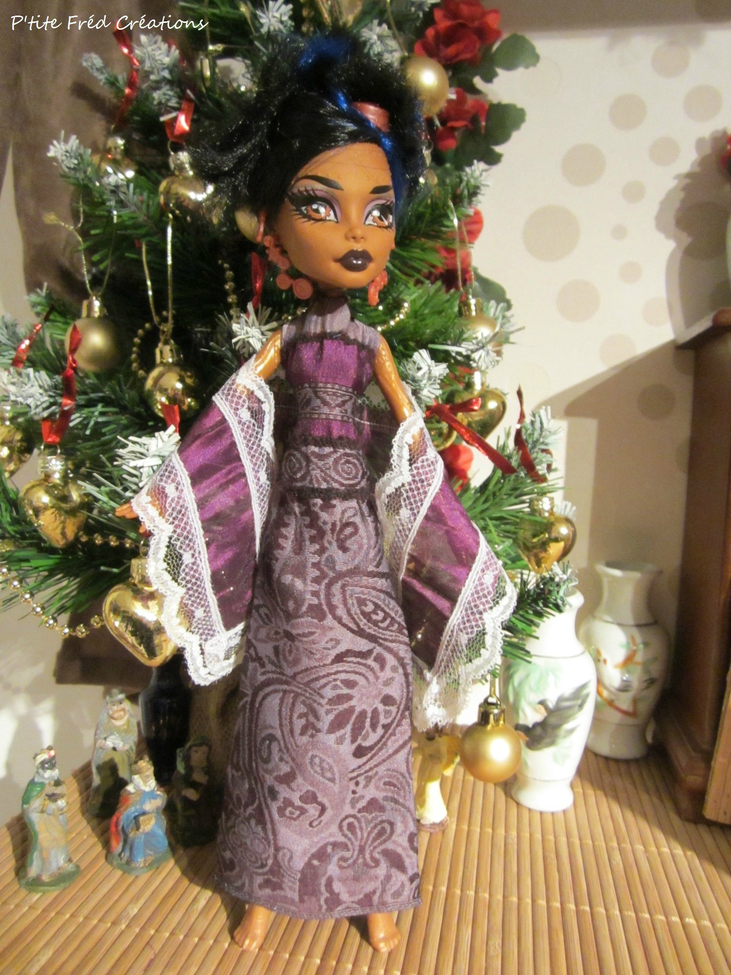 Une robe pour robecca steam n 113 p 39 tite fr d cr ations et midinettes by christophe - Tenue monster high ...
