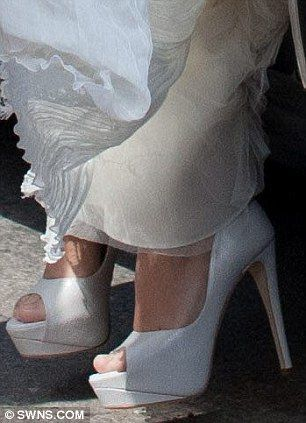 lily allen wedding close up
