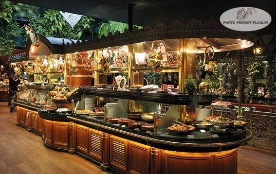 LES_GRANDS_BUFFETS_a_NARBONNE_le_buffet_des_desserts_