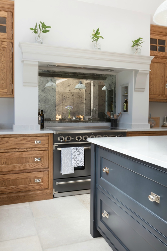 Barnes-Village-Luxury-Bespoke-Kitchen-Humphrey-Munson-18