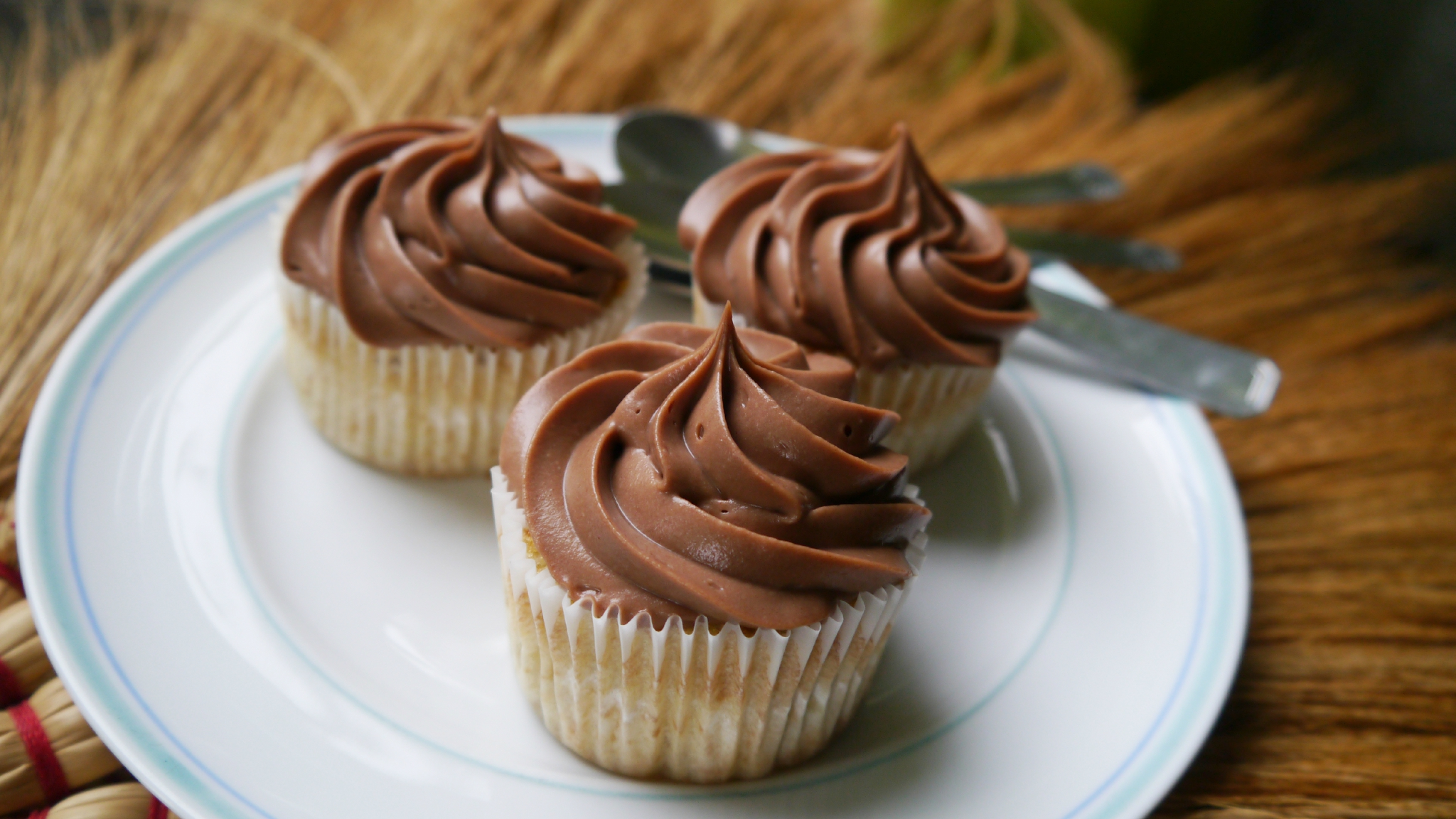 nutella cupcakes by cannella nutella cupcakes the cupcake with nutella ...