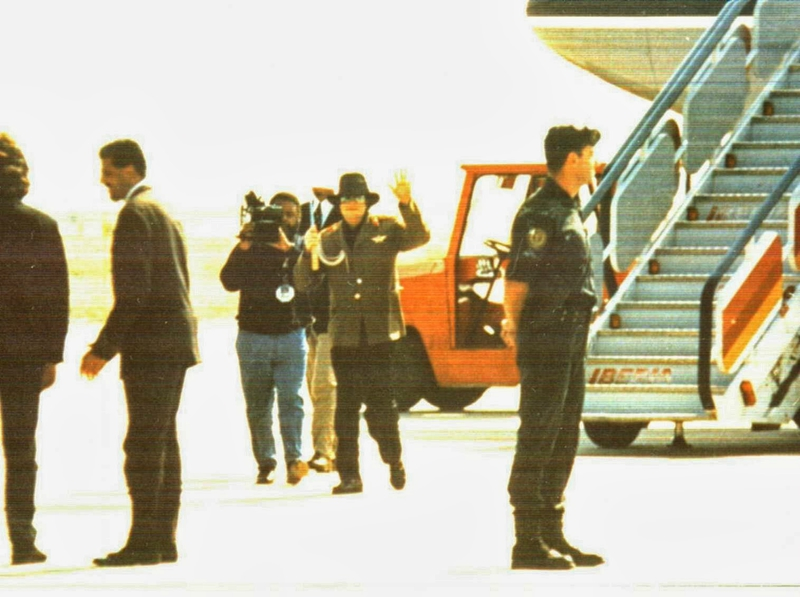 Michael Jackson visits Zaragoza Spain 1996 (3)