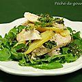 Salade de poulet, pommes de terre au pesto d'herbes version millefeuille