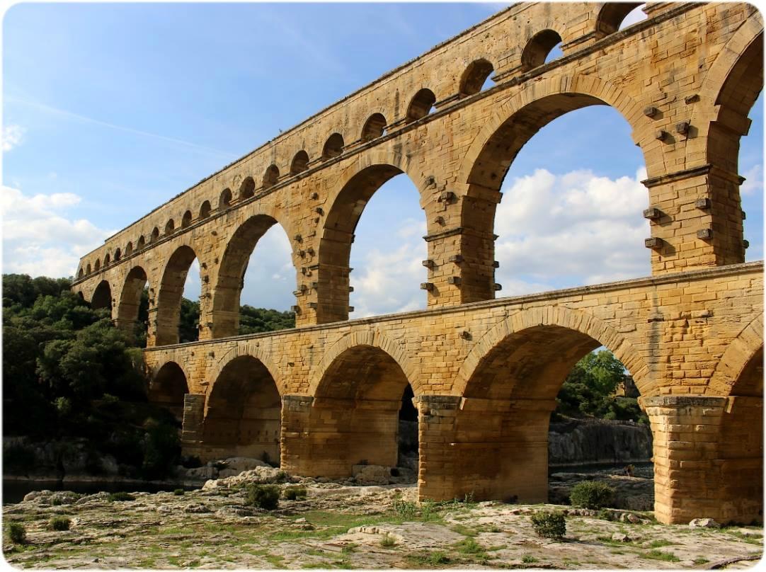 J'Aime mon Sud : Le Pont du Gard et le Musée Haribo à visiter !