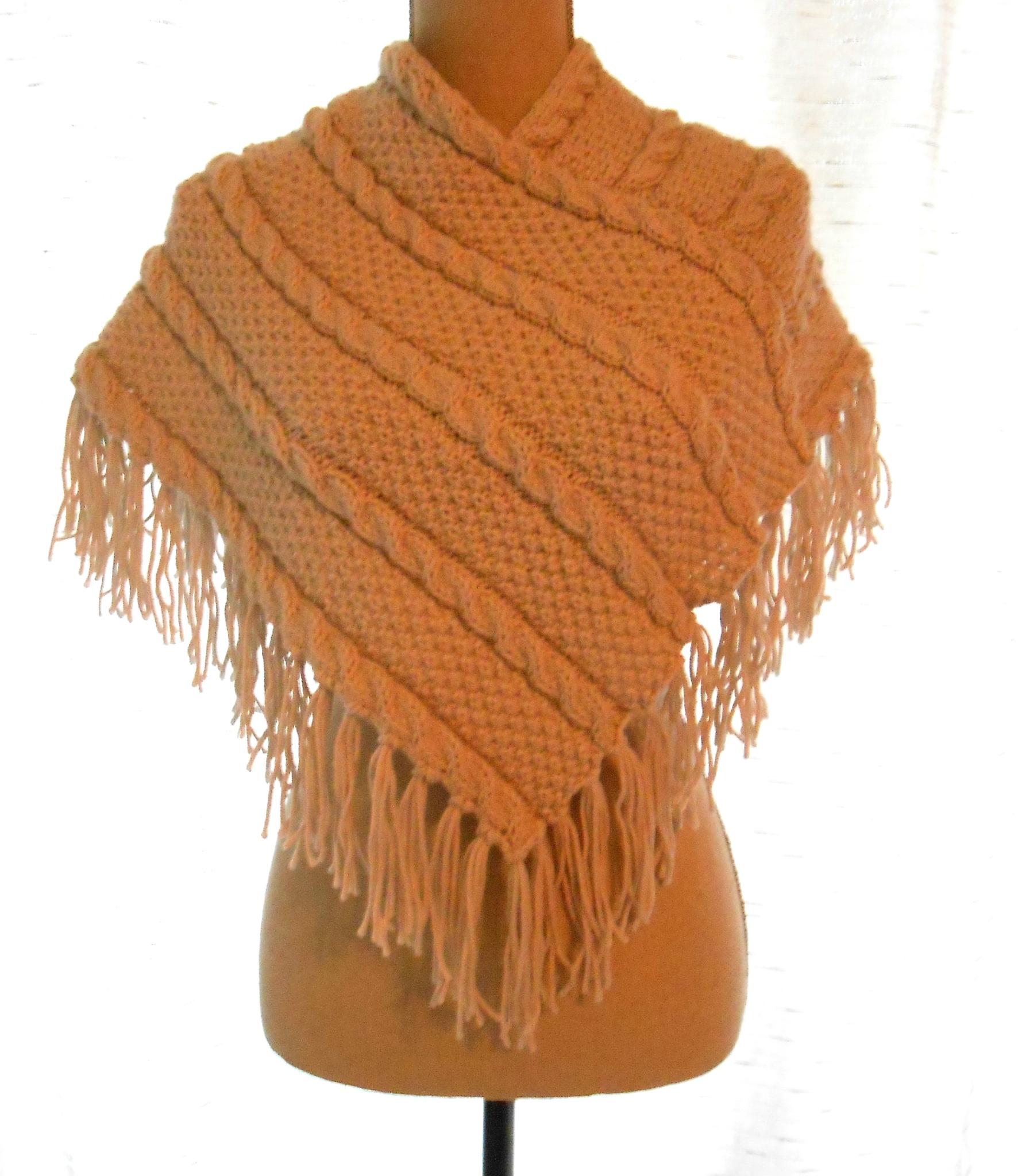 Poncho en laine sous vetement en merinos   Rlobato 46da53cb866