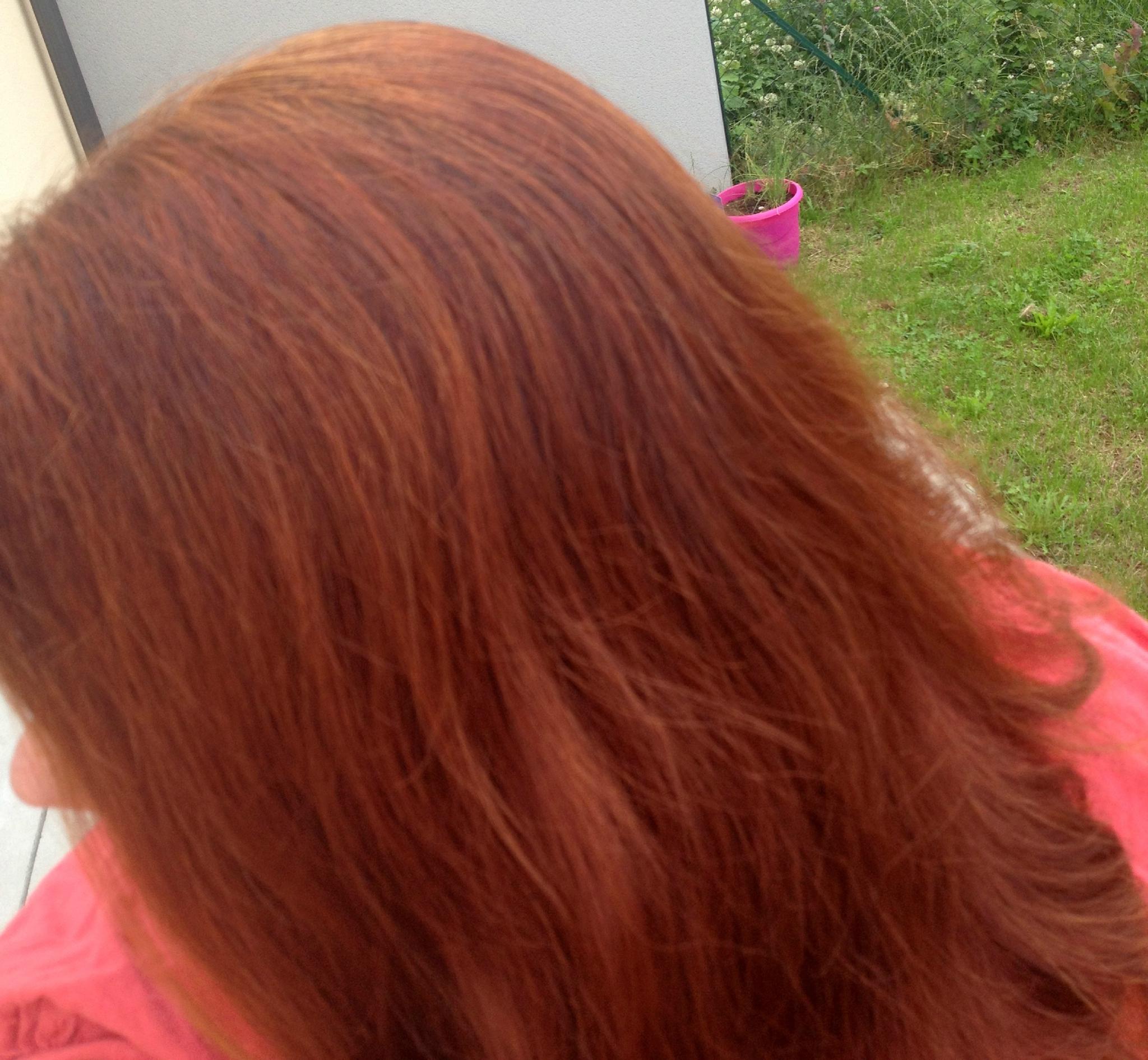 plus de cheveux blancs plus de trace de la prcdente couleur rate et la couleur est vraiment jolie oui jai fait les photos dehors la lumire - Coloration Qui Couvre Bien Les Cheveux Blancs