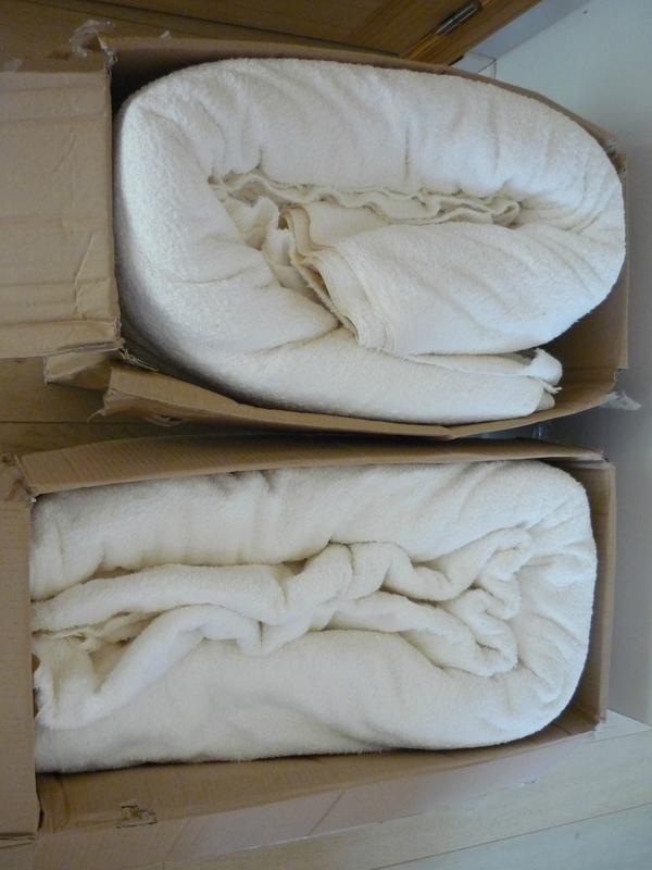 P1170012 lot de tissu éponge blanc