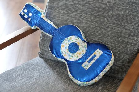 Coussin guitare 014