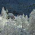 Corbel sous la neige