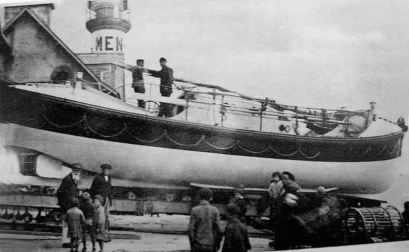 Ch27 - Canot de sauvetage Vice Amiral Touchard I