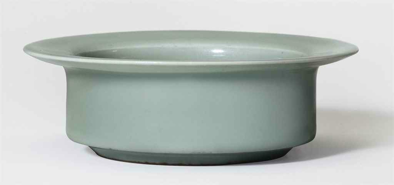 A rare Longquan celadon brush washer, Southern Song dynasty (1127-1279)