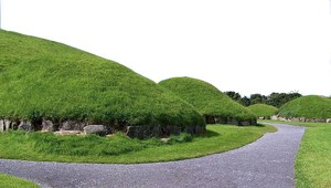 Newgrange_Knowth__19_a