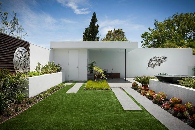 decoration-jardin-moderne-succulentes-sculpture-métallique