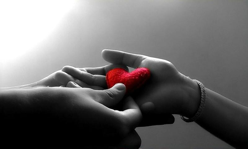 fond-ecran-romantiaque-coeur-couple