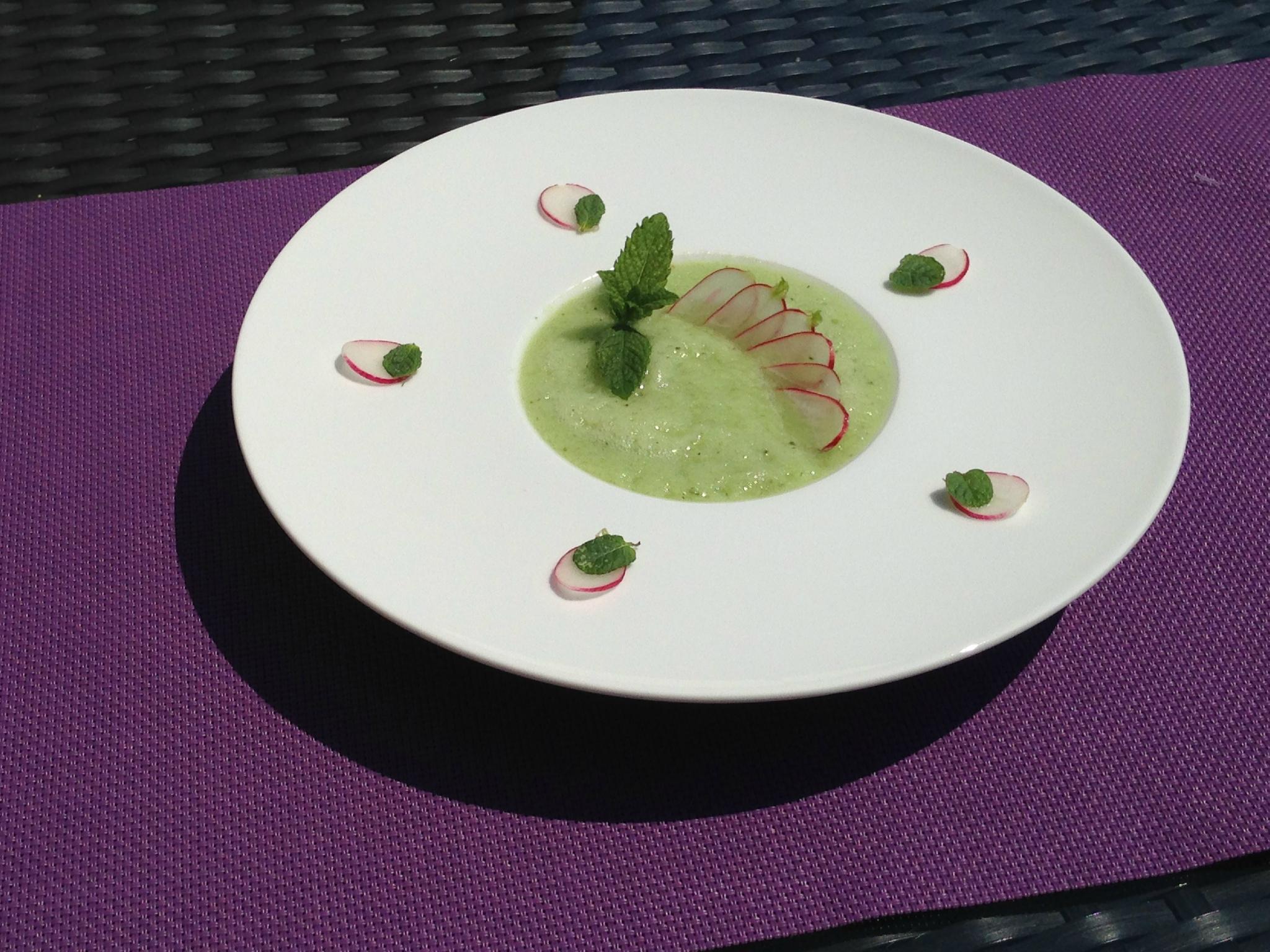 Gaspacho de concombre / menthe