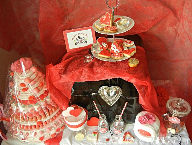 valentine's sweet table