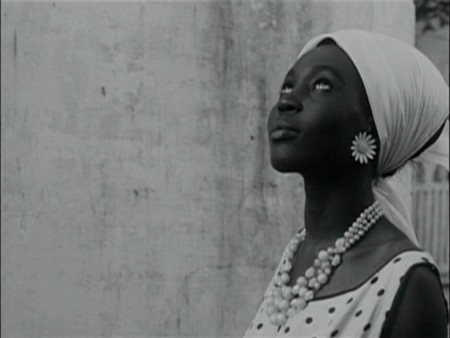 a_20Ousmane_20Sembene_20Black_20Girl_20La_20Noire_20de_20DVD_20Review_20PDVD_007_1_