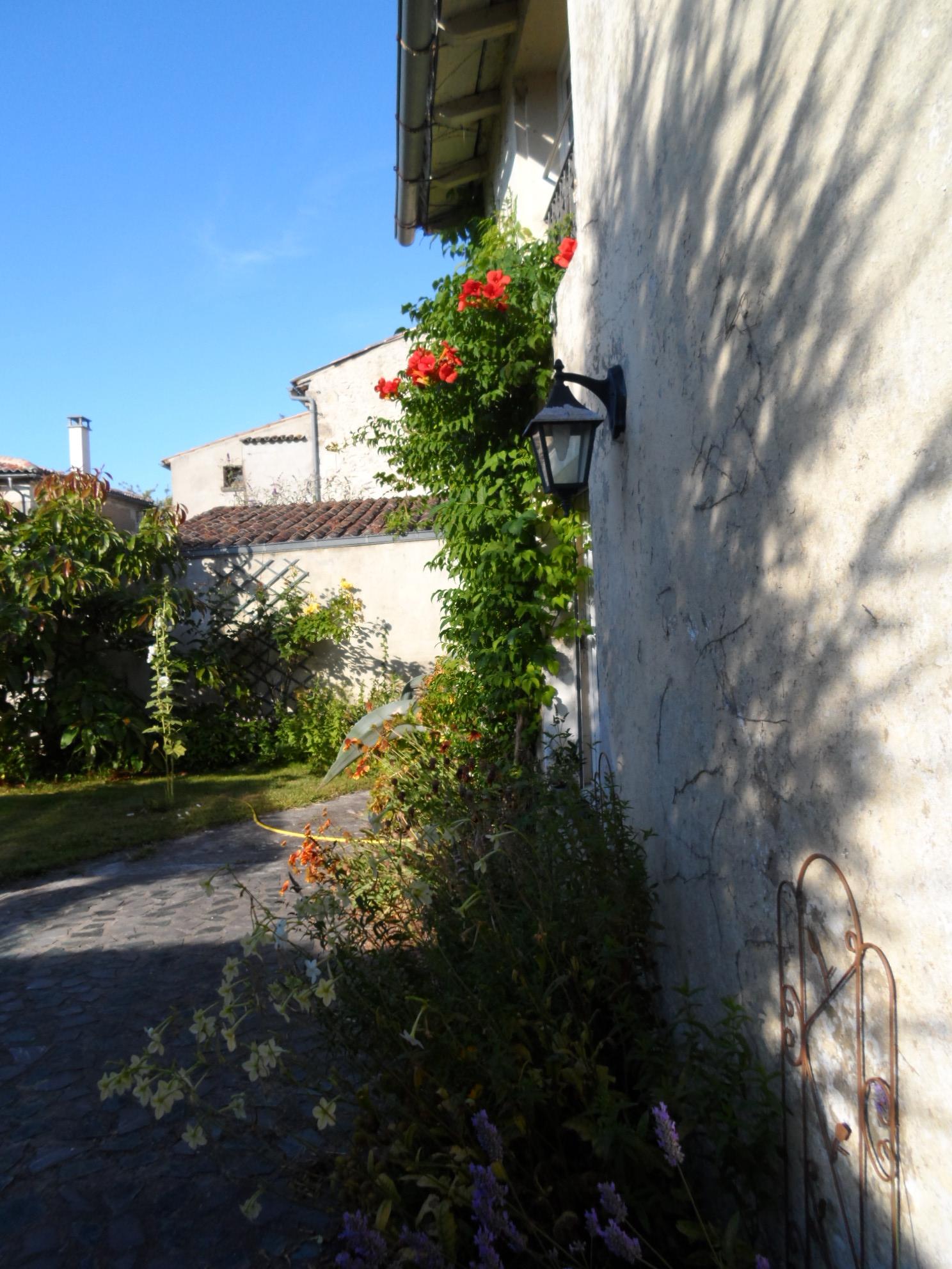 Logis de la Passerose Chambres d h´tes  Mortagne sur Gironde