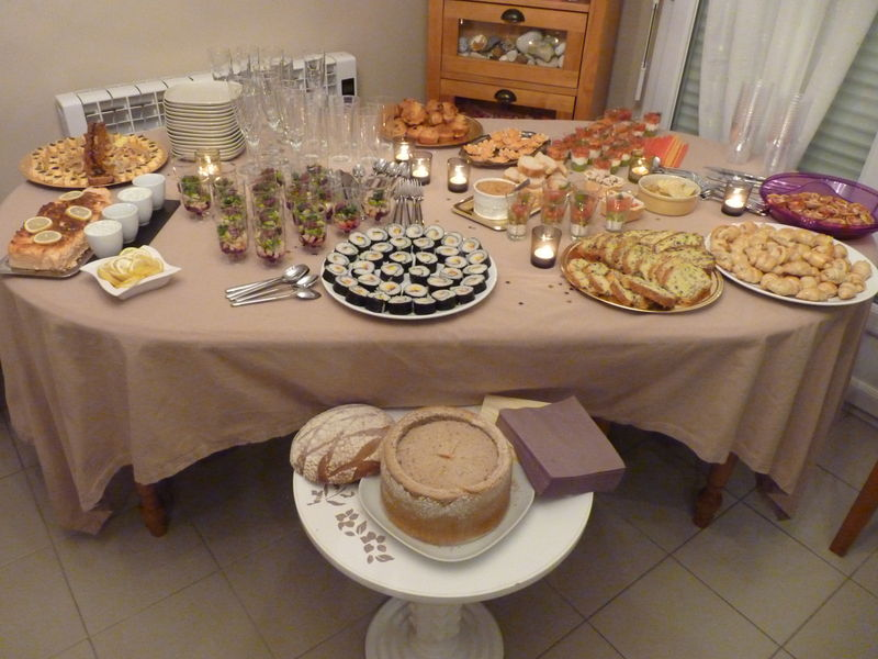 Buffet du nouvel an le monde de gnagna for Repas de nouvel an entre amis