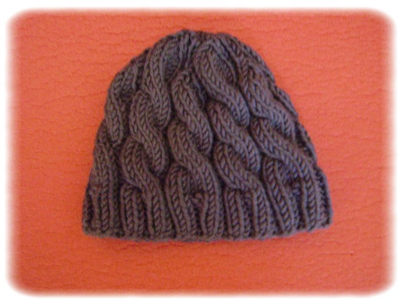 Cabled Baby Hats - déc.10