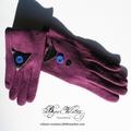 Gants fantaisie en laine pour femme élégante - gants violet prune, décor géométrique