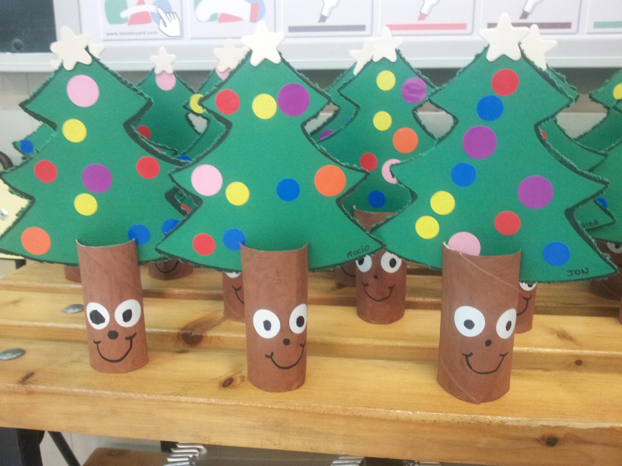 decorar sala de kinder : decorar sala de kinder:DIY spécial enfants : le sapin de Noël en 3D – C'est bientôt Noël