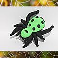Araignée , chauve-souris , ver de terre