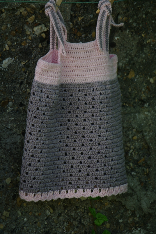 crocheter une robe taille 2 ans
