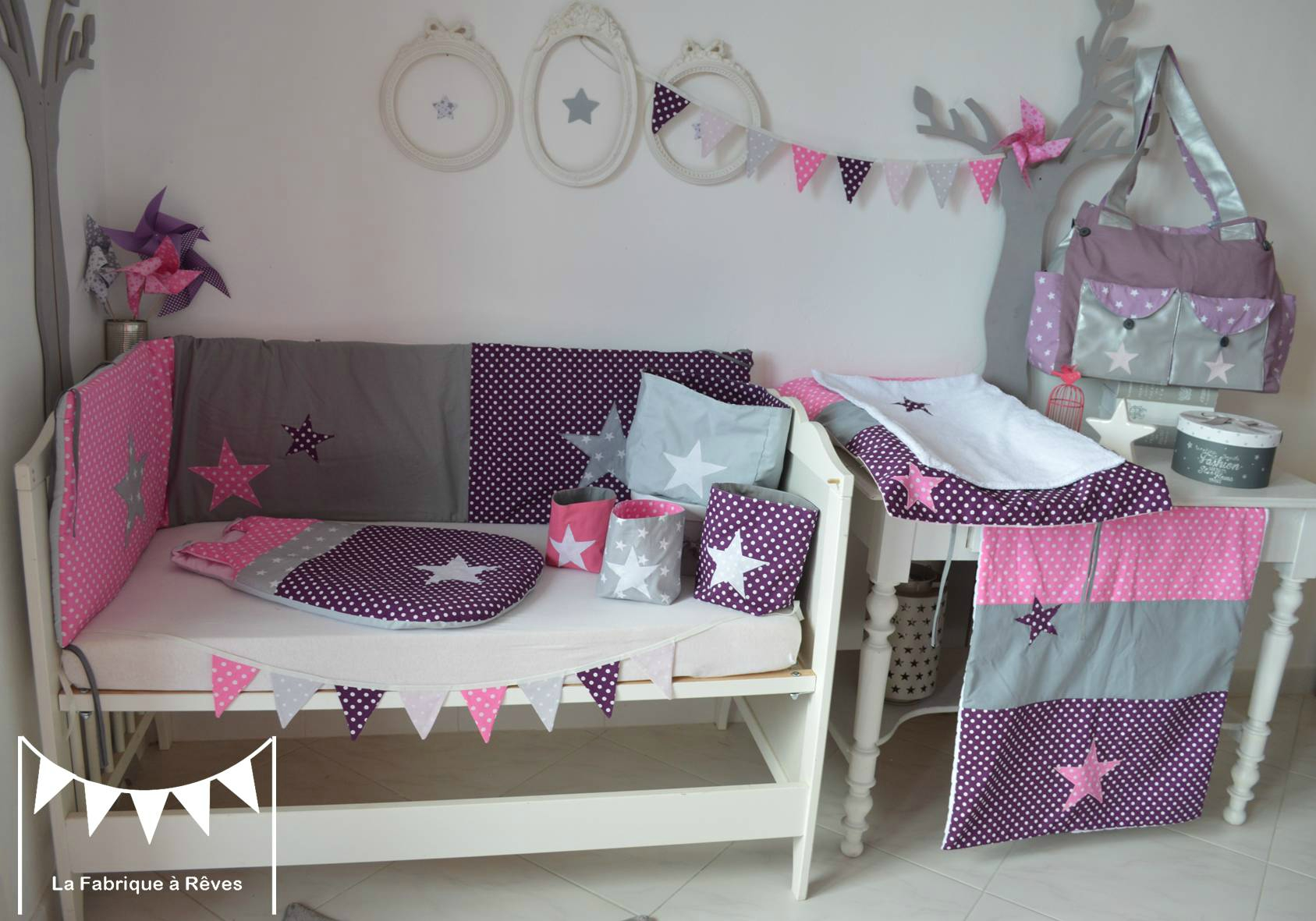 D coration chambre b b fille blanc violet rose vif gris for Deco chambre bebe fille rose