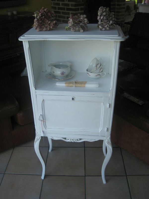 meuble ancien revisit en shabby chic blanc et us 225. Black Bedroom Furniture Sets. Home Design Ideas