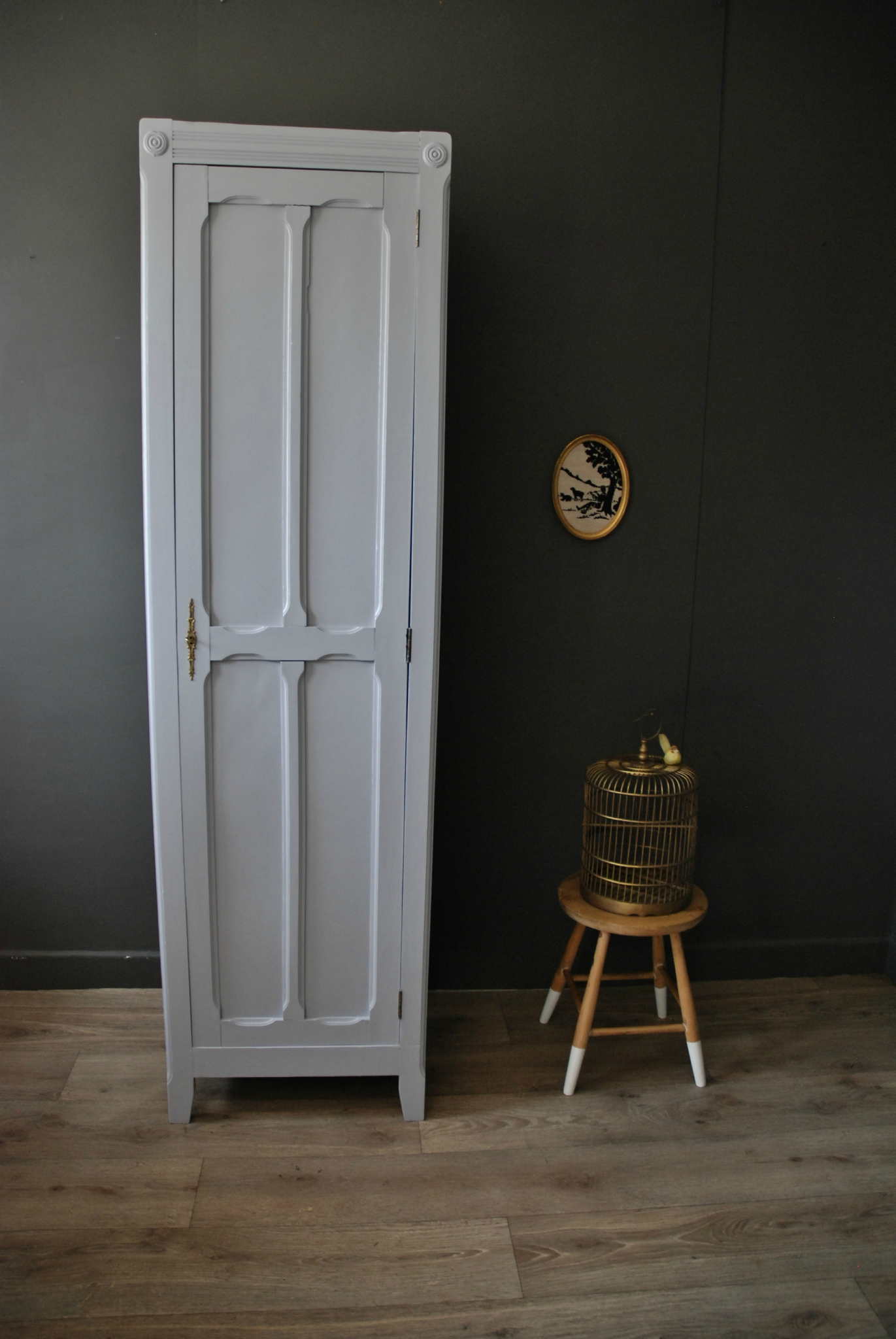 petite armoire parisienne vendue atelier vintage. Black Bedroom Furniture Sets. Home Design Ideas