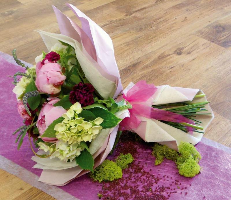 L 39 art d 39 offrir carton et chiffons for Fleurs offrir