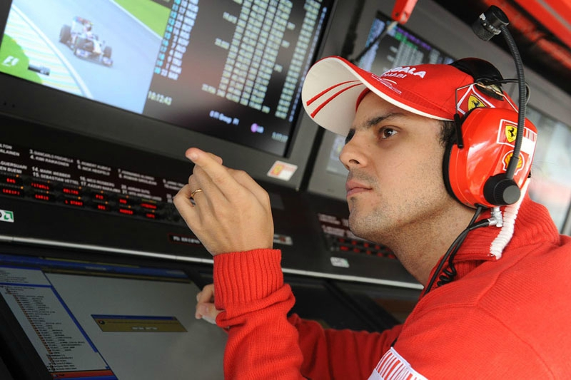 2009-Interlagos-Massa-pit wall