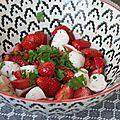 Des entrées super easy : salade fraises mozarella
