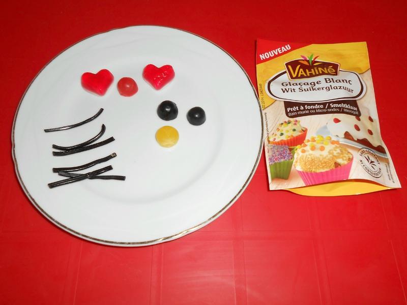 gateau-hello-kitty-fille-anniversaire-3D-rigolo-facile-simple (2)