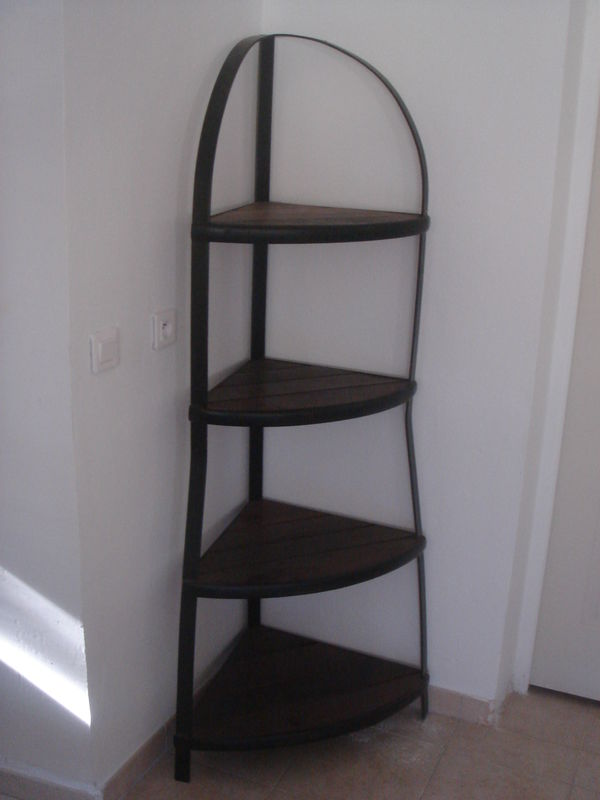 Etagere d 39 angle teck fer forge minora design for Meuble d angle fer forge