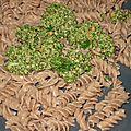 Pesto original aux noix et persil accompagné de pâtes à l'épeautre